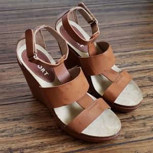 Report Wedges Size 6.5